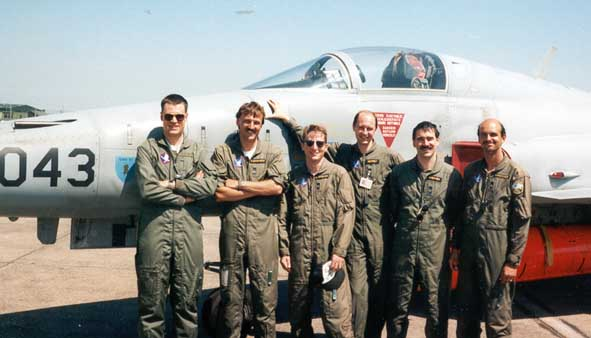 Piloten der Staffel 19 im NORKA Training 1995